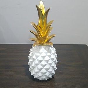 Pineapple decoration